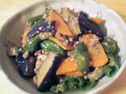茄子とピーマンと人参とひき肉の味噌炒め
