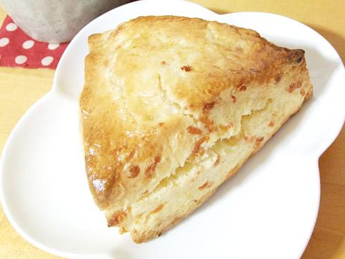 エルクアトロギャッツ チーズスコーン
