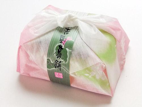 吉野のとぅるりん葛餅