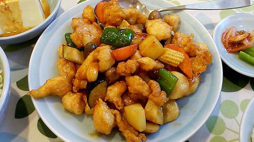蕨『大味』 鶏・えび・カシューナッツ炒め
