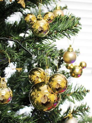 エレガンスゴールドのクリスマスツリー ミッキー型ボールオーナメント
