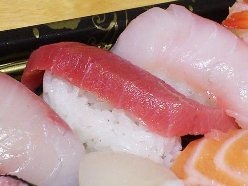 角上魚類 握り寿司 厚み