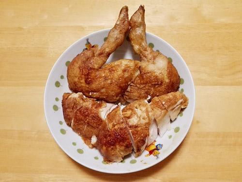 蕨『肉の青木』 丸鶏ローストチキン 切り分け後