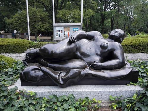 北浦和公園 美術館前の彫刻